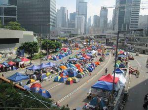 雨傘運動參加者於金鐘街頭搭營 ﹝OCLP Facebook photo﹞