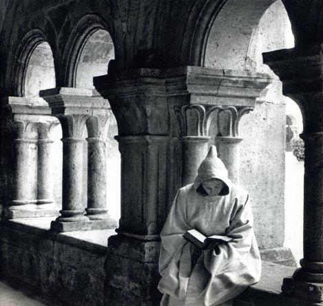 隱修士的一生也可以說是一個「將臨期」,他們一生專務祈禱,準備基督的第二次來臨。