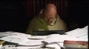 隱修士也有世俗事,例如處理修院堆積如山的財務文件 (Taken from the Documentary: Into Great Silence)