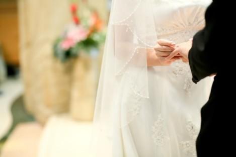 婚姻是一個盟約,是將自己整個人交付出去。婚禮中新人雙方就是在眾人前作出這一個承諾。
