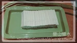 切好薄片的豆腐