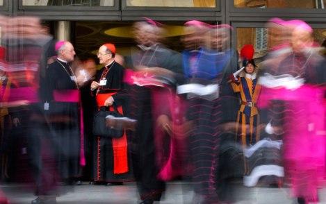 10月9日主教會議上午時段結束(AP Photo/Alessandra Tarantino)