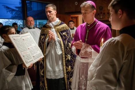 2014+Pontifical+Mass-06-3106437749-O