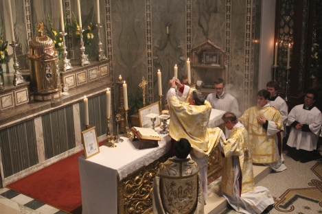 MonsignorNewton_SacraLiturgia2016_Consecration