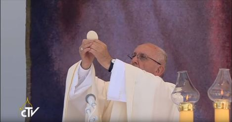 PopeFrancisConsecration-WYD2016