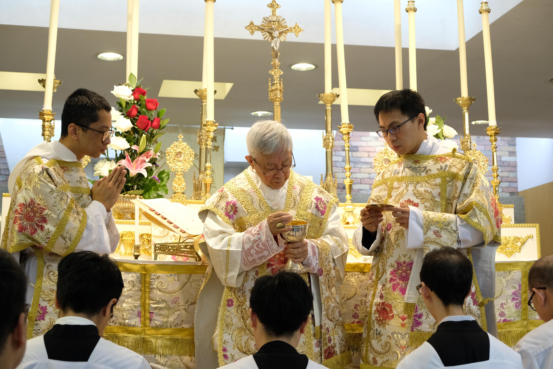 20161225_cardinalzen-pontificalhighmass_181