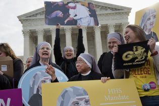 little_sisters_of_the_poor_outside_supreme_court_-_hhs_mandate_ap_photo-jacquelyn_martin_4.jpg
