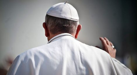 RNS-Pope-Francis-back-waving
