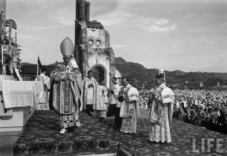 PontificalMass-Nagasaki-1949