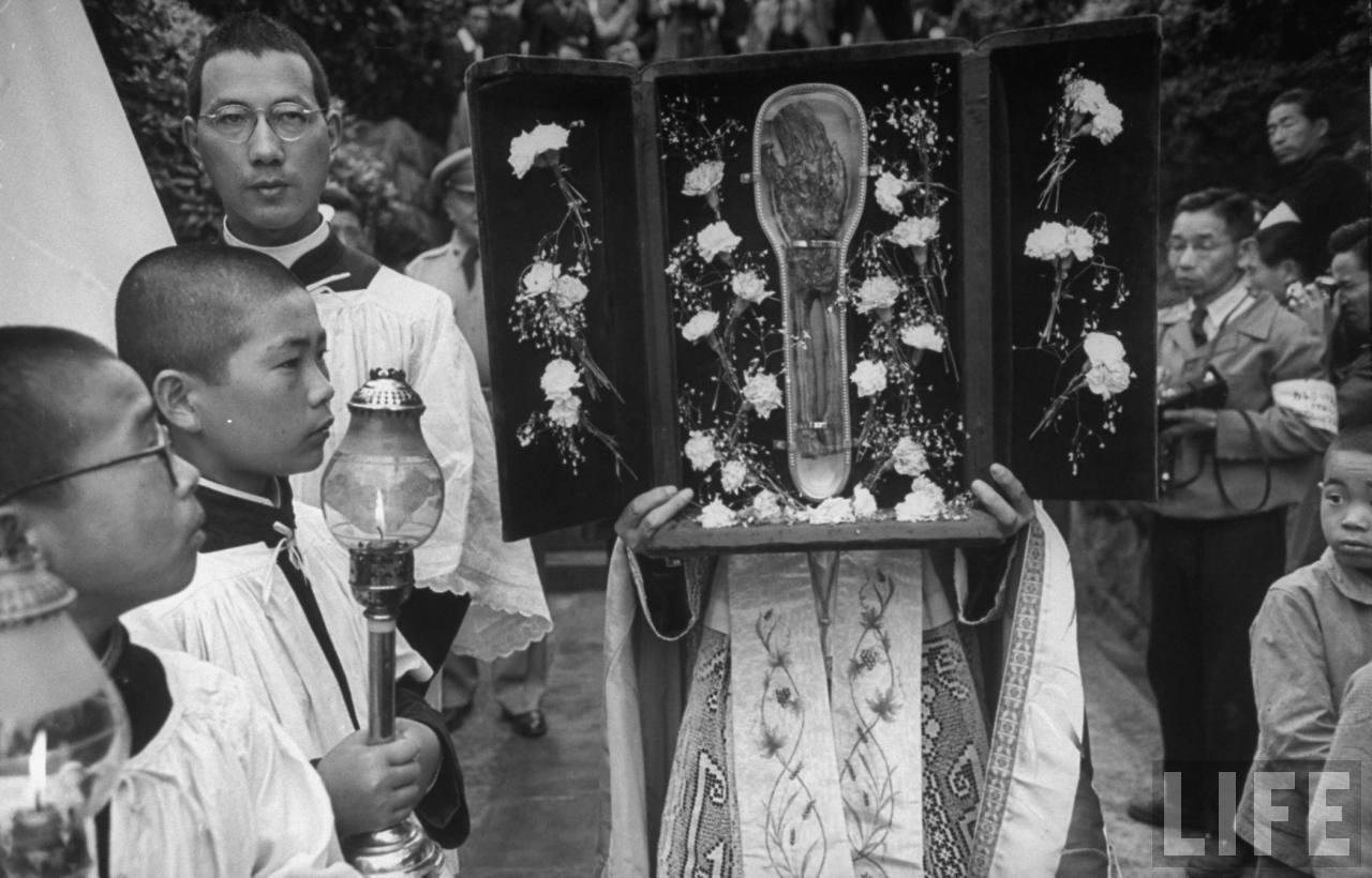 Xavier Relic in Nagasaki 1949 001