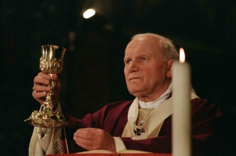 01-John-Paul-II-at-Mass-LOsservatore-Romano.jpg